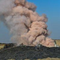 вулкан Жрта Але дымит ! Первый раз в истории ! :: Георгий
