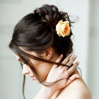 Девушка с розой в волосах :: Ira Fet
