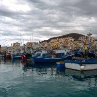 Playa de Las Teresitas порт :: Андрей Бондаренко