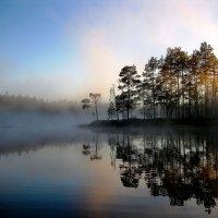 Рассвет на озере :: Александр