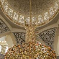Главная люстра, мечеть шейха Заеда :: Gennadiy Karasev