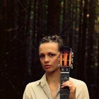 Леди с гитарой :: Аня Разумовская