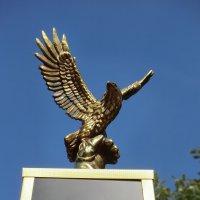 Памятник...фрагмент... :: Владимир Павлов