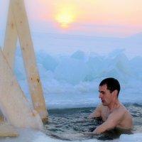 Купание на Байкале :: Елена Переверзина