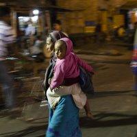 Женщина с ребёнком :: Олег Мишунов