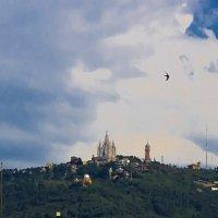 Облака и ласточки над Тибидабо :: Вадим Лячиков