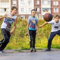 Подбор мяча. :: Валерий Молоток