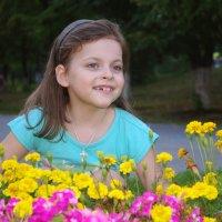 красота среди цветов :: Надежда Пашкова