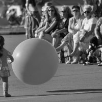 девочка и шарик! :: вадим измайлов
