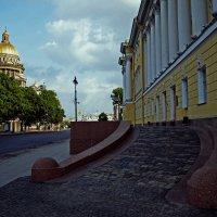 Исаакиевский собор и городской суд на Неве... :: Валентина Потулова