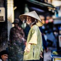 Вьетнамская женщина :: Дмитрий Кулиш