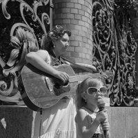 Мамина гитара :: Alexander Roschin