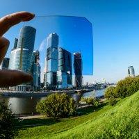 Автопортрет в углу или игры со стеклами :: Сергей Седенко