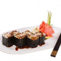 Японская кухня, вегетарианские суши. :: Александр Беспалый