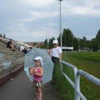 На стадионе :: Олег Афанасьевич Сергеев