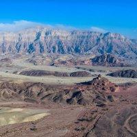 Пустыня в ярком утреннем свете :: Alex Mimo