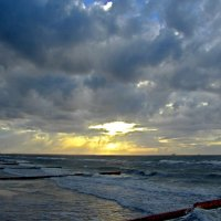 Вечер на море :: Сергей Карачин