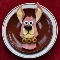 Иногда колбаска мило строит глазки... :: Лара Гамильтон