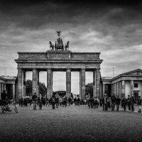 Брандербургские ворота :: Александр