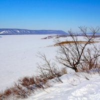 Вид на Жигулёвские горы с Лысой горы в Самаре :: Денис Кораблёв