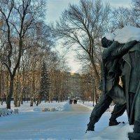 Аллея к Московскому проспекту... :: Sergey Gordoff