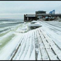 ВОЛГА. Зимняя река  в районе Волгограда. :: Юрий ГУКОВЪ