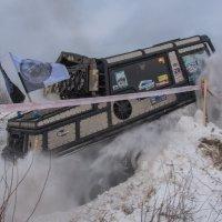 Проезд через снежный завал. :: Виктор Евстратов