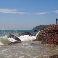 На тысячи брызг разбиваются волны! :: Чария Зоя