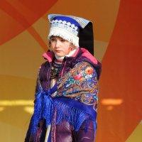 На сцене :: Вик Токарев