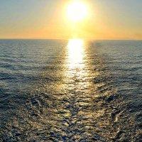 Закат на море. :: Михаил Столяров