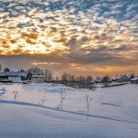 На закате в деревне :: Виктор Заморков