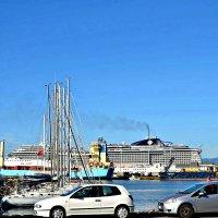 В порту города Кальяри на острове Сардиния. :: Михаил Столяров