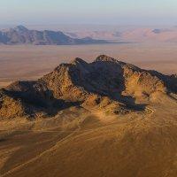 в течение ветра над пустыней Намиб :: Георгий А