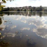 Облака любят смотреться в реку, а река любит смотреть на облака! :: Ольга Кривых