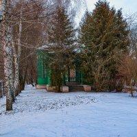 Люблю я старую беседку на даче, спрятанной в тиши... :: Сергей Михайлович
