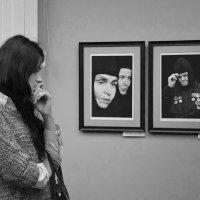 На выставке... :: Елена Иванова