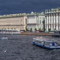 Парадный Петербург с непарадным небом :: Владимир Колесников