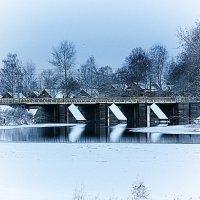 Зимой на реке :: Сергей Кочнев