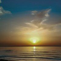 Море в Нетании — закат :: Vladimir Dunye