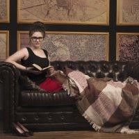 Девушка с книгой :: Оксана Задвинская