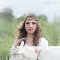 Девушка с козой :: Оксана Задвинская