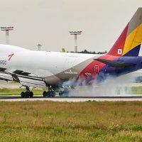 Посадка Boeing 747-400 Asiana Cargo :: Сергей Коньков
