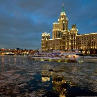 По Москва-реке :: Alexsei Melnikov