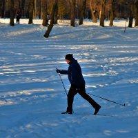 Бегущий за здоровьем... :: Sergey Gordoff