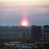 Странный, зимний закат в Москве :: Valeriy(Валерий) Сергиенко