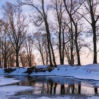 Зимний вечер у реки :: Любовь Потеряхина