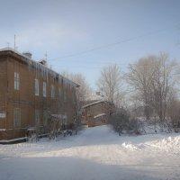 Полдень на окраине города :: Евгения Кирильченко