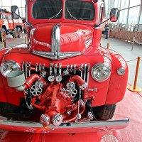 Вернёмся к пожарной технике!( Анфас № 1) :: Виталий Селиванов