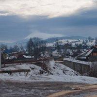 Март в Закарпатской деревне :: Владимир Григор