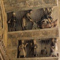 Ареццо. Церковь Санта-Мария-дел-ла-Пьеве. Барельеф 12 месяцев. :: Надежда Лаптева